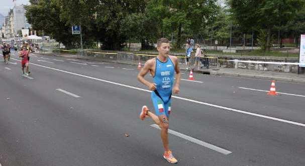 rodolphe-von-berg-e-12-alla-ginevra-etu-triathlon-european-cup-jpg