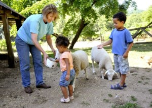 Scottie Jones with visitors to Leaping Lamb Farm