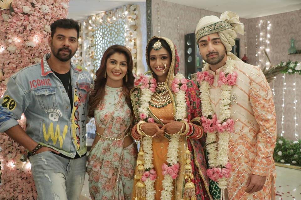 Shabir Ahluwalia and Sriti Jha on Zee TV's Bhagya Lakshmi