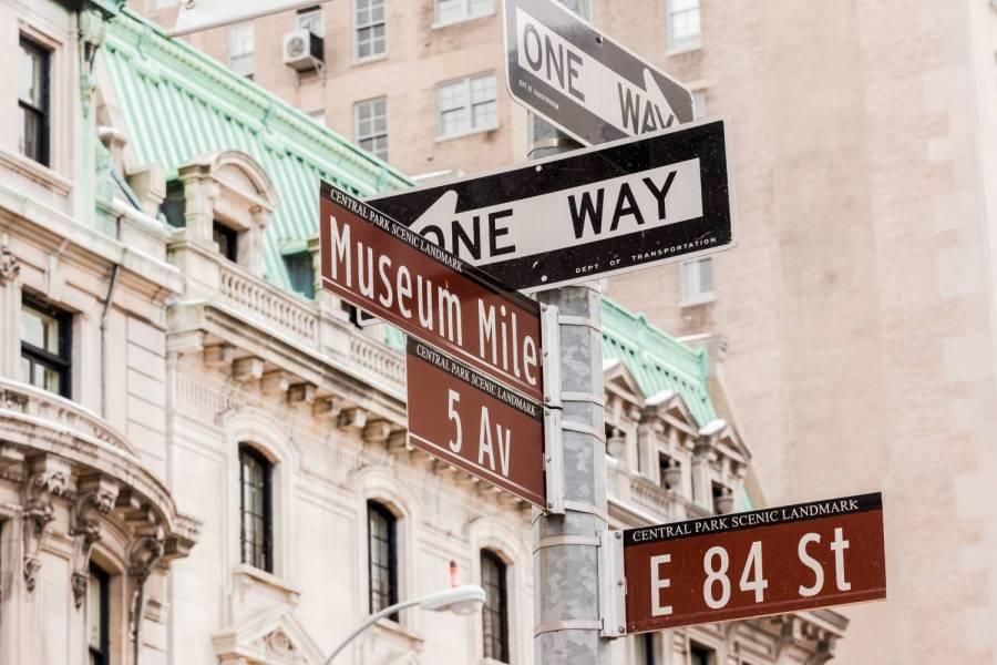 museum mile roadsign www.nycgo.com