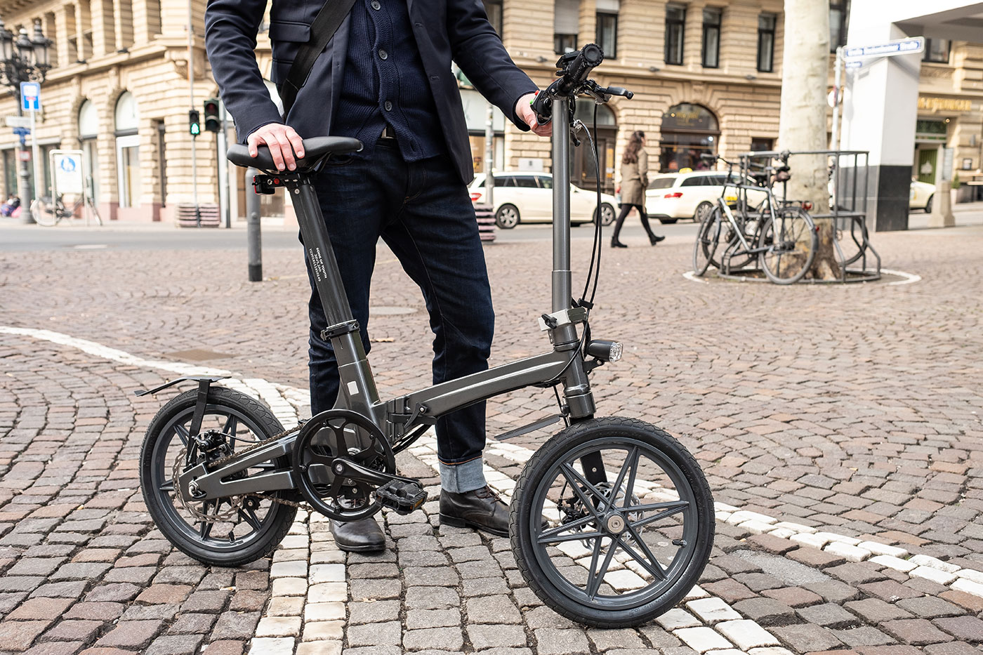 """The world's lightest electric 16"""" folding bike, weighs just 12.5 kg"""