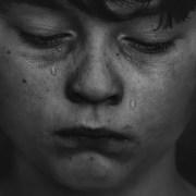 Rüyada Ağlamak ; Kişinin saf ve temiz ruhlu olduğu anlamına gelir. Aynı zamanda çekilen stres ve sıkıntının sonunda kavuşulacak olan huzur manasına gelir. Aynı zamanda rüyada hıçkırarak ağlamak, yorumcular tarafından kişinin sahip olacağı huzur dolu aile hayatı manasına da gelir. Kötü günlerin geride kalacağına delalet etmektedir.