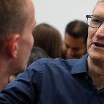 How Tim Cook Motivates His Team in Under a Minute