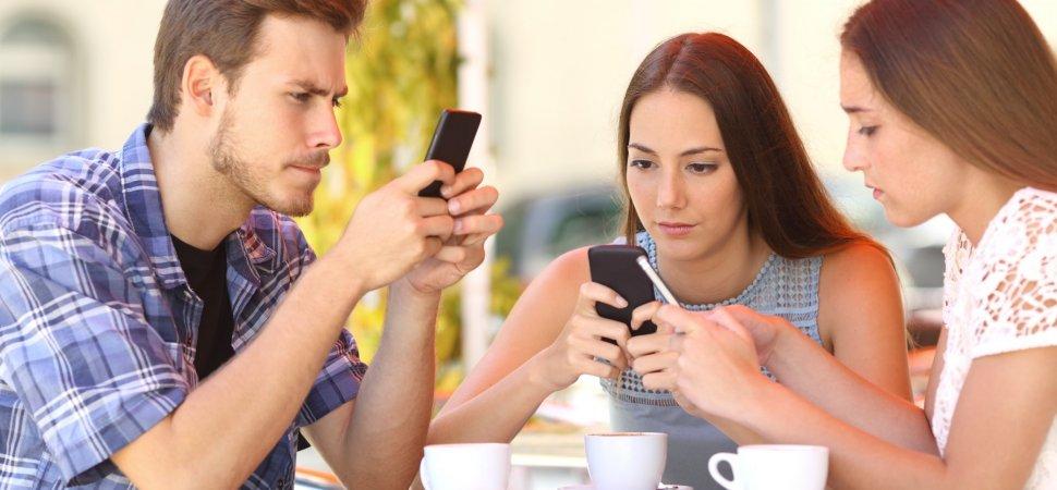 How social media is killing professionalism?