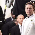 Elon Musk Says: If You Want to Be Happy, Never Do This 1 Surprising Thing