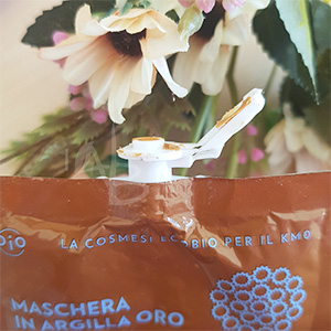 Dettaglio del packaging maschera viso Biofficina toscana