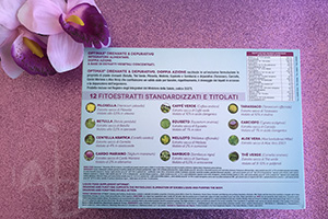 Retro della confezione di integratori Dr. Organic.