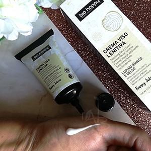 Texture della crema viso lenitiva di Bio Happy