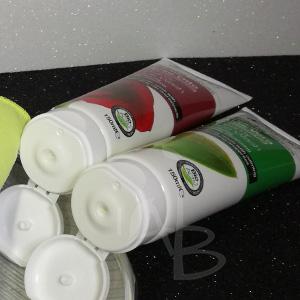 Packaging primario dei Face Wash di Dr. Organic