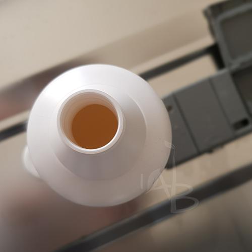Imboccatura del flacone del detersivo lavastoviglie Bio Mio
