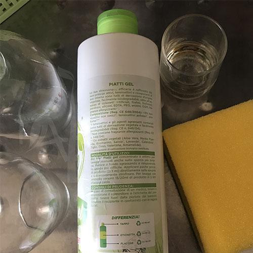 Etichetta del detersivo Piatti gel di Bio Mio Natural