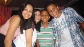 Com amigos