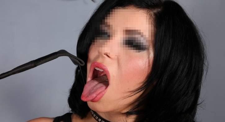 Mistress feticista incontra schiavi per sesso ad Ancona