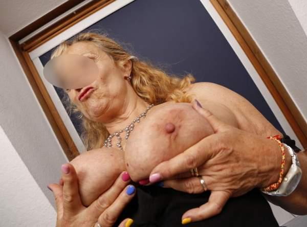 Mogli in mostra, milf di Catanzaro con marito guardone foto uno