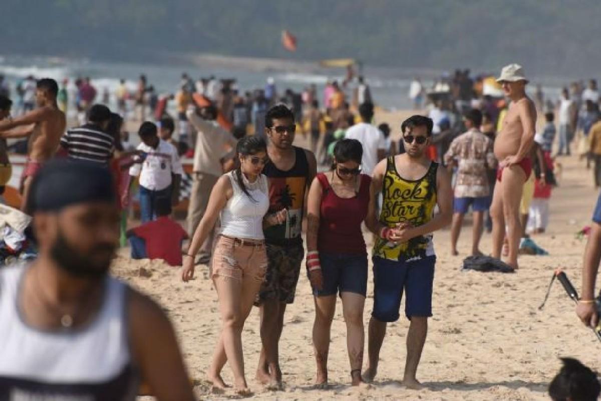 Domestic-Tourists-in-Goa