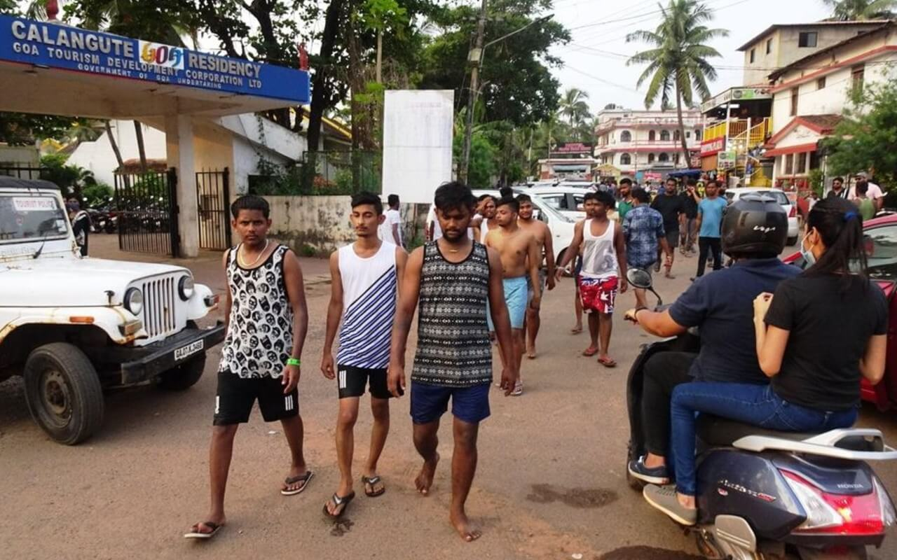 Tourists Roaming Around in Goa Without Wearing Masks