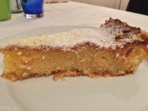 Torta caprese con cioccolato bianco e limone