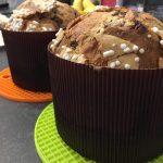 Panettone pera e cioccolato con granella di zucchero