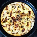Ricetta Focaccia di riso con acciughe olive cipolle di tropea