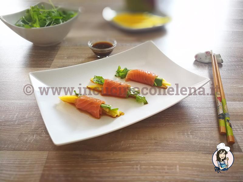 Involtini di salmone e mango