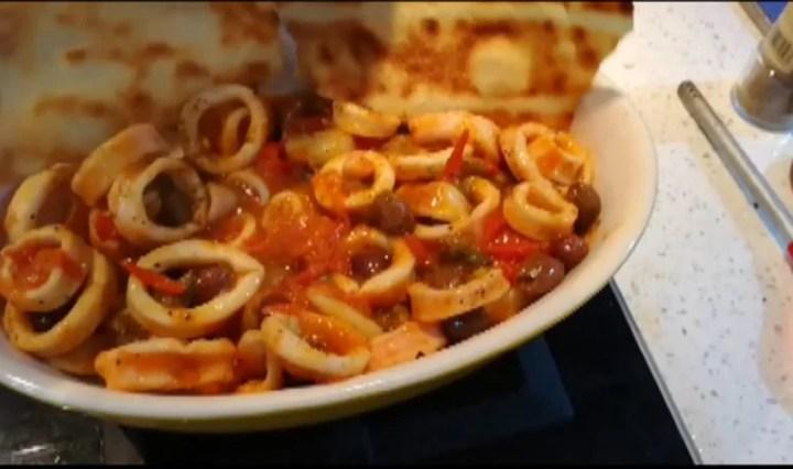 Anelli di Calamari capperi e olive