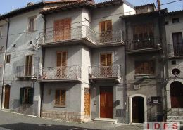 """Casa natale """"Giovanni di Pirro"""" - Pescasseroli (L'Aquila)"""