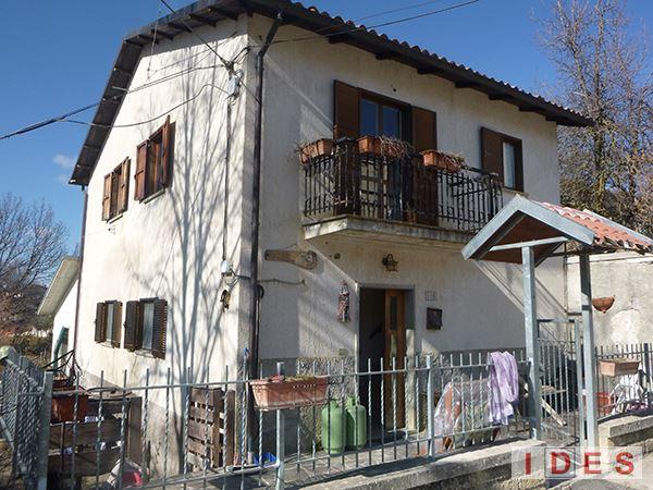 Villa unifamiliare in Frazione Arafranca Pinaco - Amatrice (RI)