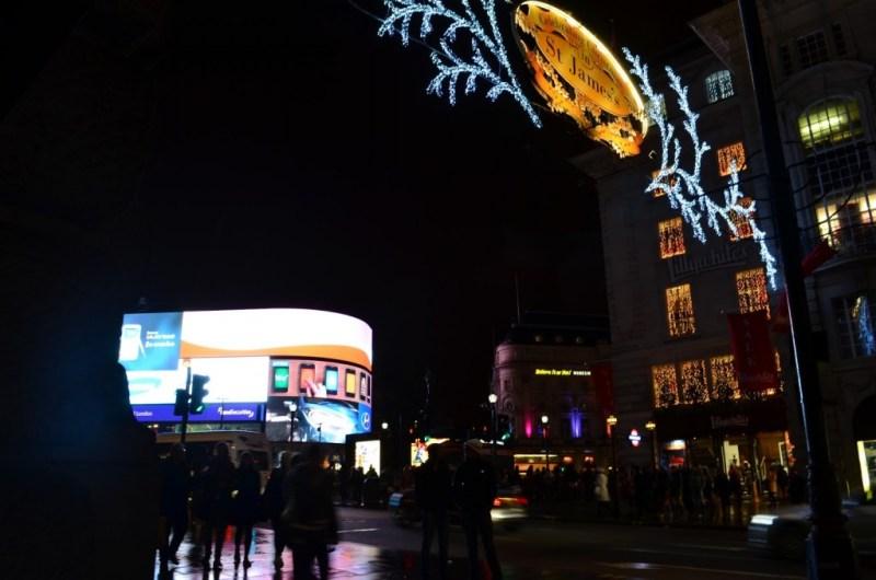 Telões da Piccadilly Circus