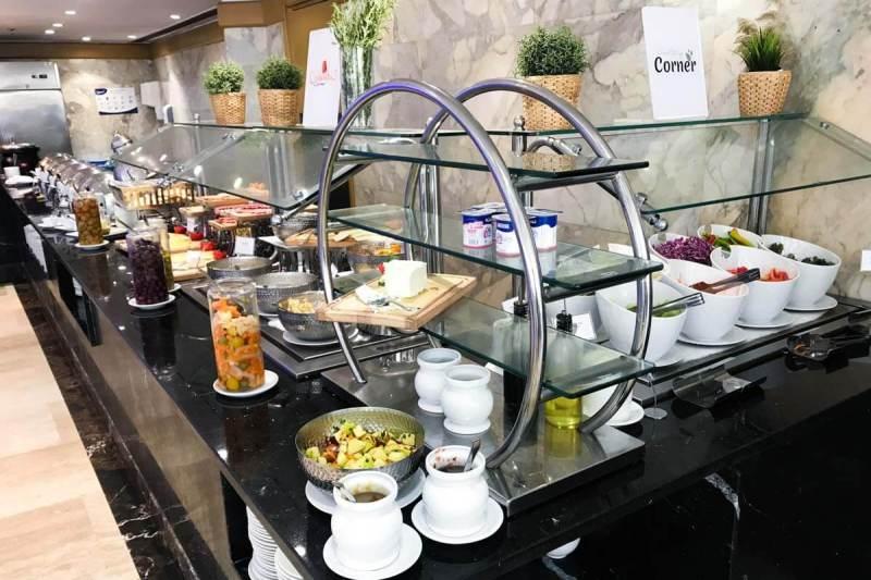 Excelente café da manhã do Le passage