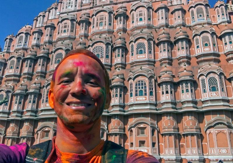 Saindo do Holi Festival para as Janelas do Palácio