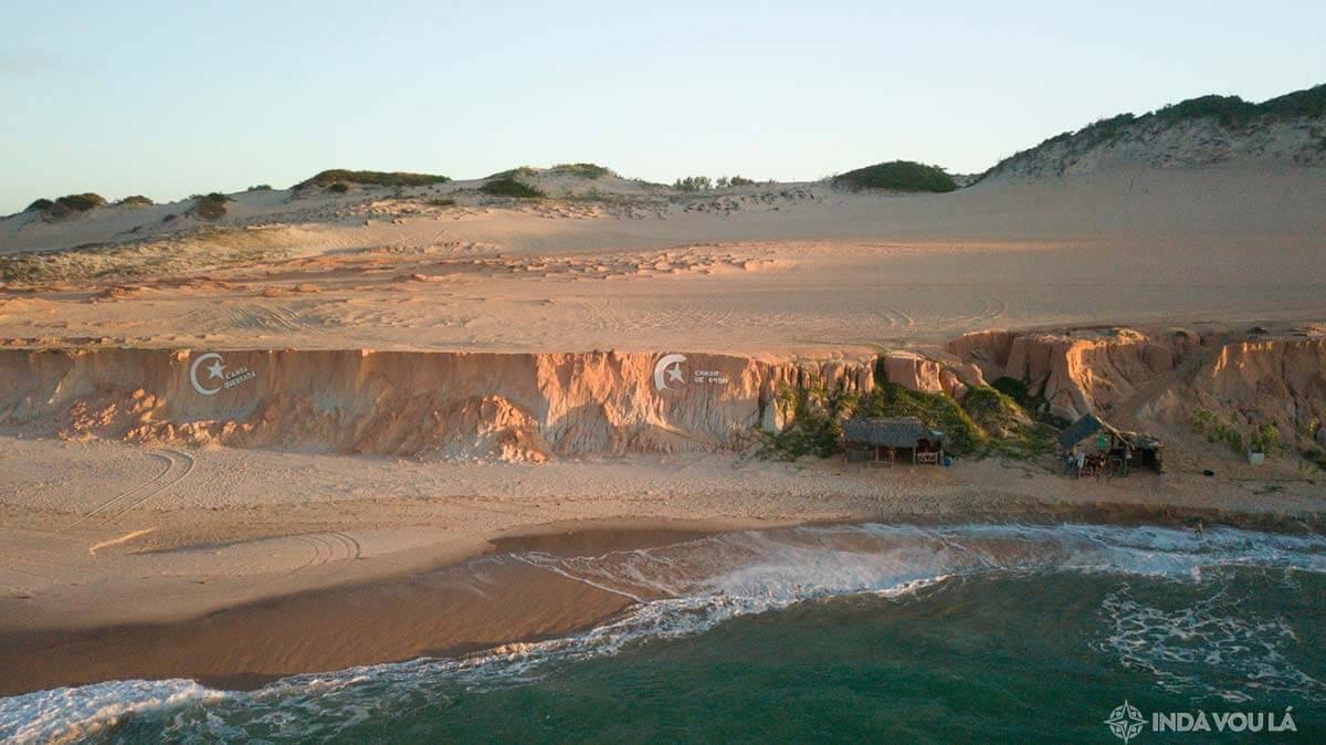 canoa quebrada - uma das praias do ceará mais legais e mais famosas
