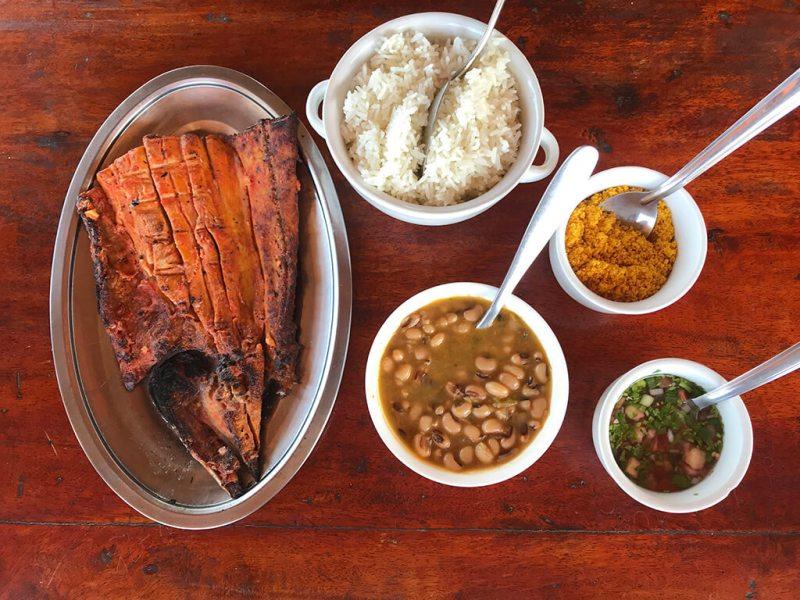 Refeição completa do Restaurante Sarapó em Tutoia