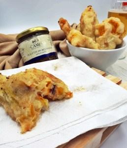 Fiori di zucca con mozzarella e acciughe