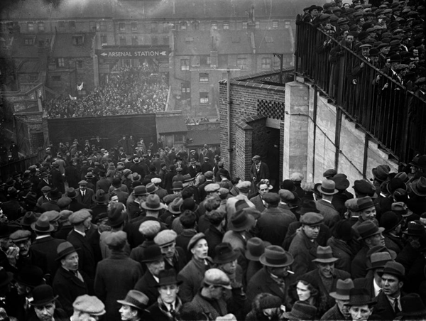 Arsenal v Tottenham Hotspur, Highbury 1934
