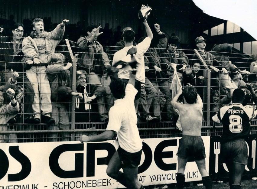 HFC Haarlem in de hekken