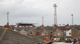 Het stadion van Grimsby Town ligt, zoals het een Engels stadion betaamt, midden in een woonwijk.