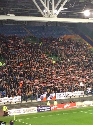 Ruim 2.500 meegereisde fans van de Jodan Boys, Foto van Twitter/Milo Schoenmaker