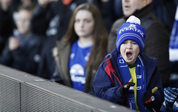 Een jonge fanatieke Everton fan. Foto: Pro Shots / Action Images