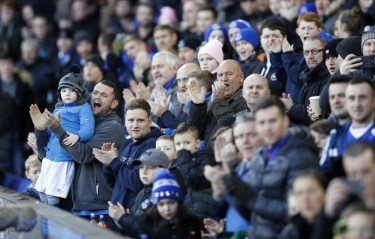 Everton fans steunen hun team. Foto: Pro Shots / Action Images
