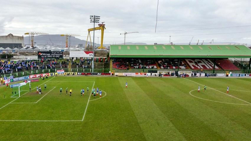 Ruim 2000 man bezochten de wedstrijd tegen Linfield