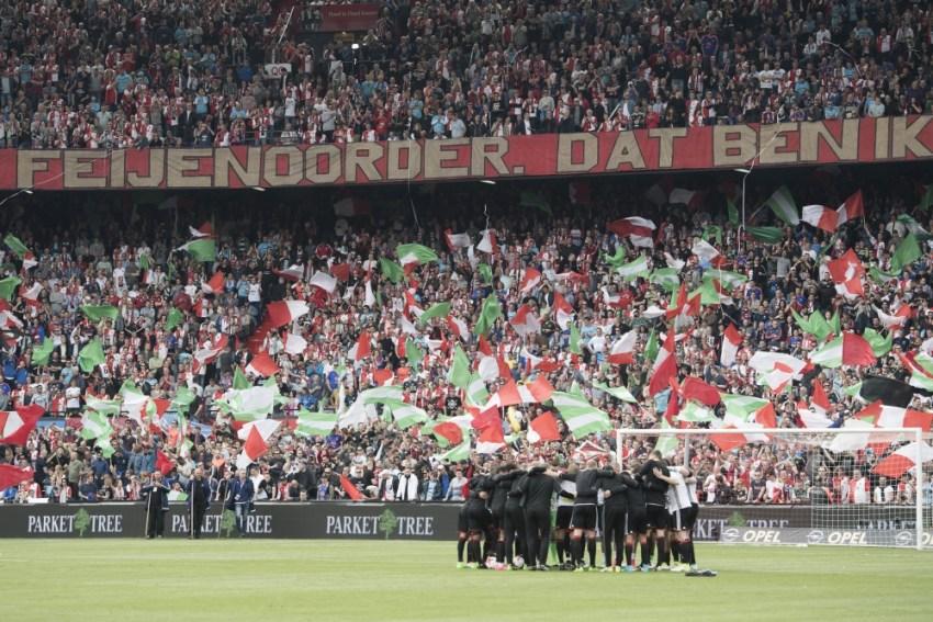 Warming up bij Feyenoord. Foto: Pro Shots / Kay Int Veen of Jasper Ruhe