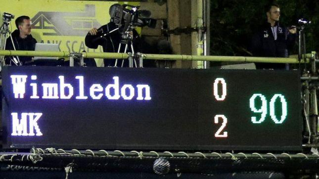 AFC Wimbledon weigert de volledige naam van MK te noemen en ontving hiervoor een boete van de FA (BBC)