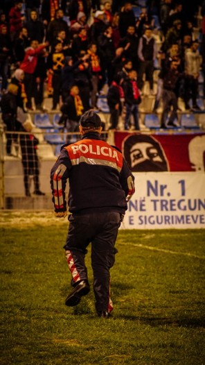 ACAB in actie tijdens Partizani - Flumartari