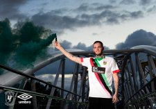 2019 Glentoran New Away Kit50-Small