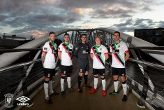 Glentoran New Away Kit35-Small