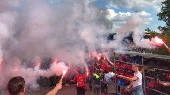 Mooie sfeeractie van de supporters van Excelsior 31