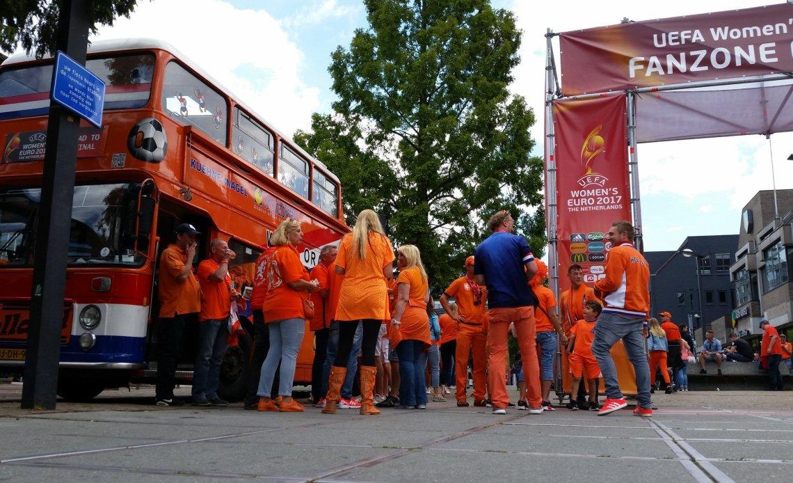 Oranjemars verboden in Lyon
