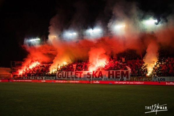 Legale pyro by SK Brann - In de Hekken, foto: De Twaalfde Man
