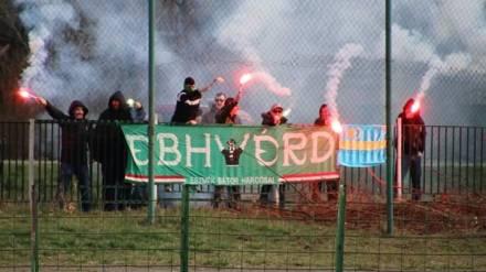 In de derde divisie gaat het gemakkelijk. (via ultras-tifo.net / hungaryultras.blogspot.com)