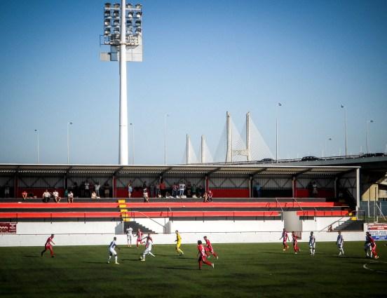 de Ponte 25 de Abril vanuit Estádio do Sport Grupo Sacavenense